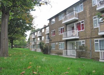 Thumbnail 1 bed flat to rent in Upper North Street, London