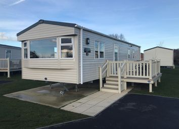 Thumbnail 2 bed mobile/park home for sale in Kestrel Close, Tattershall Lakes, Lincoln
