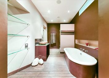 2 bed flat for sale in Brune Street, Spitalfields, London E1