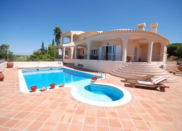 Thumbnail 4 bed villa for sale in Portugal, Algarve, Loulé