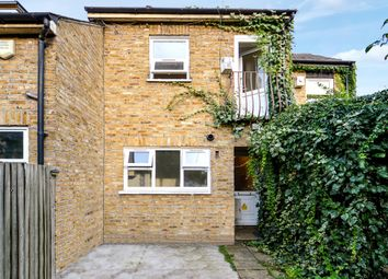 Kenworthy Road, London E9. 3 bed mews house