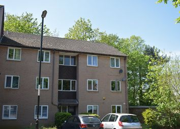 2 bed flat to rent in The Oaks, Bitterne, Southampton SO19