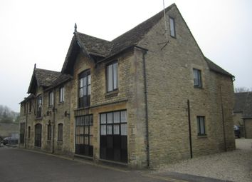 Thumbnail 2 bedroom flat to rent in Sherborne Street, Lechlade