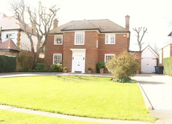 Thumbnail 4 bedroom detached house for sale in Pine Grove, Totteridge