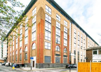 Thumbnail 2 bed flat for sale in Gainsborough Studios, Islington