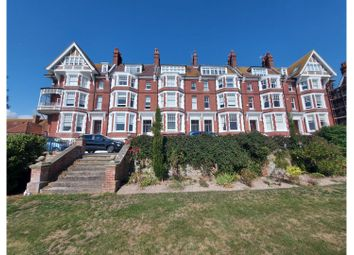 Chatsworth Gardens, Eastbourne BN20. 2 bed flat for sale