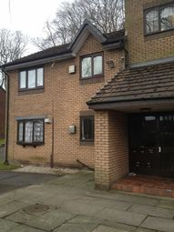 2 bed flat to rent in Crescent Avenue, Prestwich, Manchester M25