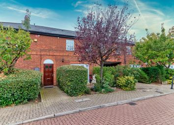 2 bed flat for sale in Elsinore Gardens, London NW2