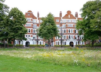 Thumbnail 2 bedroom flat for sale in Sutton Lane North, Chiswick
