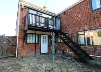 Thumbnail Studio to rent in Coulter Close, Cuffley, Potters Bar
