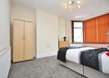 Thumbnail Room to rent in Room 4, North Street, Romford