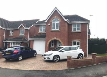 Thumbnail Flat to rent in Hodgkiss Close, Darlaston, Wednesbury