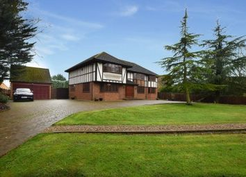 Thumbnail 5 bed property for sale in Halstead Hill, Goffs Oak, Hertfordshire