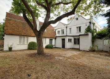 Thumbnail 6 bedroom detached house for sale in Churchgate, Cheshunt, Hertfordshire