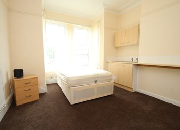Thumbnail Studio to rent in Collenso Mount, Leeds