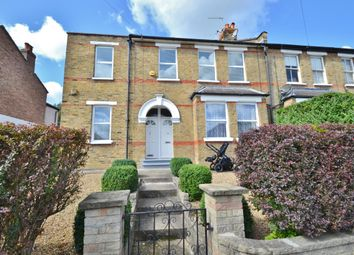 Thumbnail 3 bedroom maisonette for sale in Crescent Road, Barnet