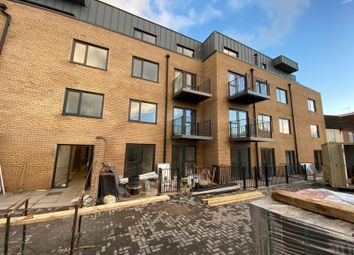3 bed flat to rent in Priory Way, Southall UB2