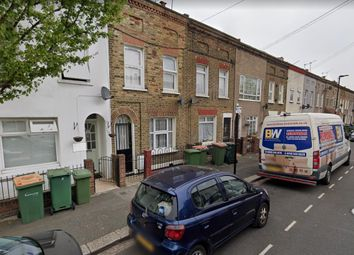 2 bed semi-detached house to rent in Garfield Road, Canning Town, London E13