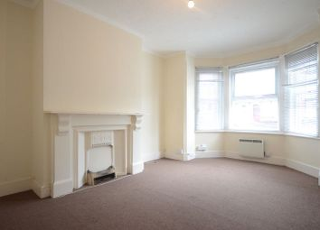 Thumbnail 1 bedroom flat to rent in Radstock Road, Reading