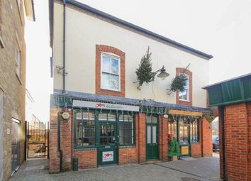 Thumbnail 1 bed flat to rent in Ropers Yard, Hart Street, Brentwood