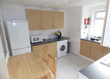 Thumbnail 5 bed flat to rent in Douglas Road, London