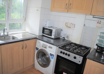 Thumbnail 3 bed flat to rent in Geffrye Court, Shoreditch/Hoxton