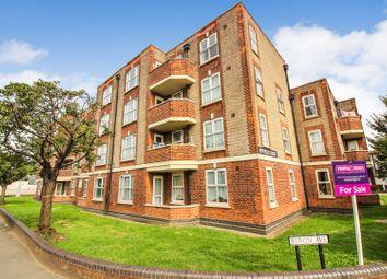 3 bed flat for sale in Malden Way, New Malden KT3