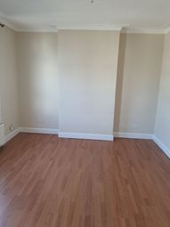 2 bed maisonette to rent in Burrage Place, Plumstead, London SE18
