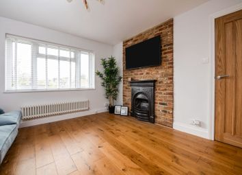 Thumbnail 1 bed flat for sale in High Road, East Finchley