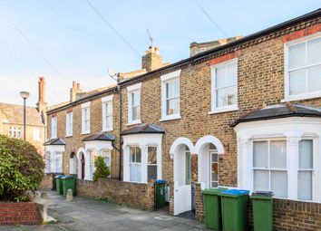 3 bed maisonette to rent in Frobisher Street, London SE10