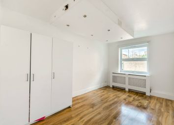 2 bed maisonette for sale in Firs Close, Forest Hill SE23