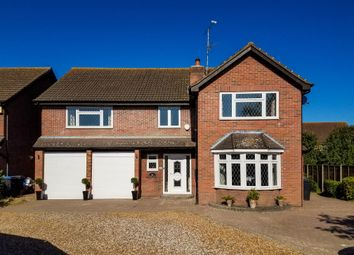 Thumbnail 5 bed detached house for sale in Oaklands Drive, Harlow