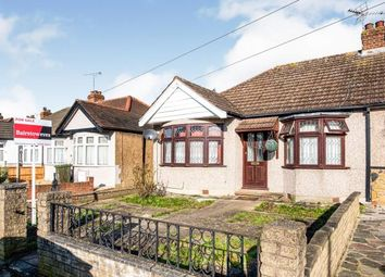 Mawneys, Romford, Havering RM7. 4 bed bungalow