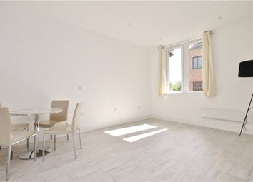 Thumbnail Studio to rent in London Road, Staines-Upon-Thames, Middlesex