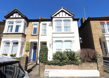 Thumbnail 1 bed flat to rent in North Street, Leigh-On-Sea