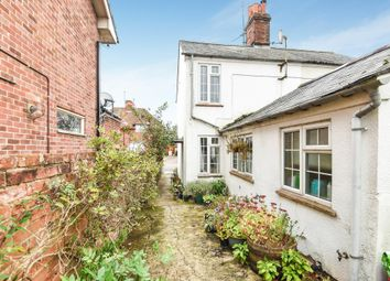 Thumbnail 2 bedroom cottage for sale in St Johns Road, Thatcham
