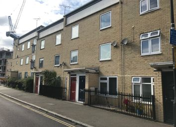 2 bed maisonette to rent in Well Street, Hackney E9