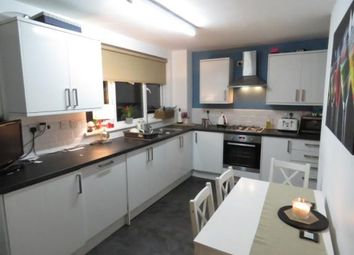 Thumbnail 2 bed flat for sale in Highwood Lane, Loughton