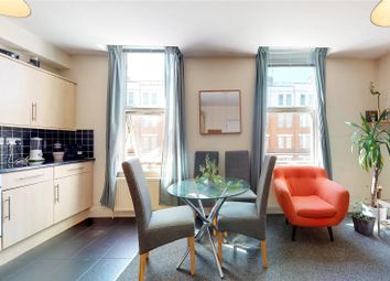 2 bed flat to rent in Graham Road, London E8