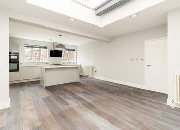 Thumbnail 3 bed flat to rent in St. Martin's Lane, London