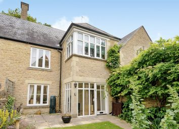 Thumbnail 2 bed flat for sale in The Playing Close, Charlbury, Chipping Norton