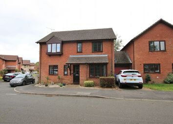 Thumbnail 4 bed detached house to rent in Goldsmith Way, Crowthorne, Berkshire