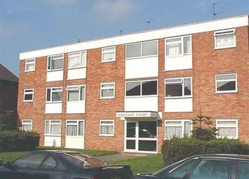 Thumbnail 1 bed flat to rent in Crescent Court, Richmond Road, Staines, Middx