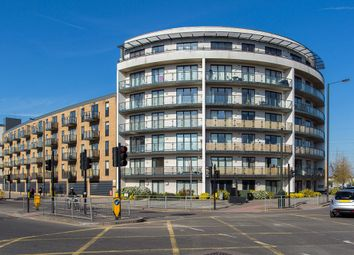 Thumbnail 2 bed property to rent in Bassett House, London