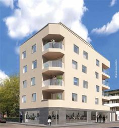 Thumbnail 3 bed flat for sale in Gateway House, Aldgate, London