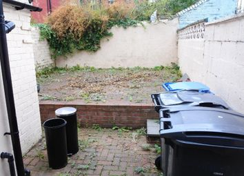 3 bed terraced house to rent in Kearsley Road, Sheffield S2