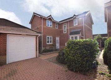 St Marys Park Green, Leeds, West Yorkshire LS12. 3 bed detached house