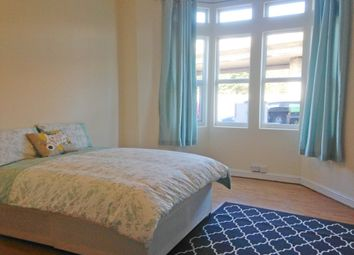 Thumbnail 3 bed flat to rent in Stapleton Road, Bristol