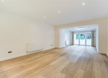 Thumbnail 3 bed flat to rent in Gledhow Gardens, South Kensington, London