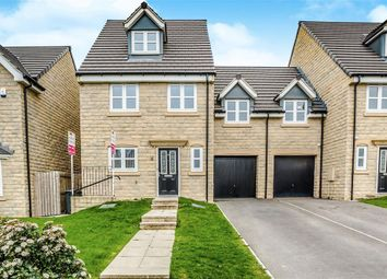 Thumbnail 5 bed link-detached house to rent in Warton Avenue, Lindley, Huddersfield